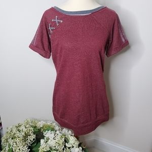 NWT Maurice's maroon criss cross knit short sleeve